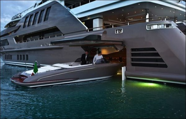 allabout.gr-Luxury-Yacht-1