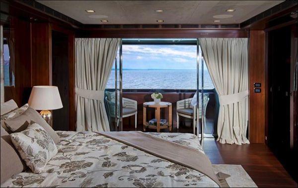 allabout.gr-Luxury-Yacht-12
