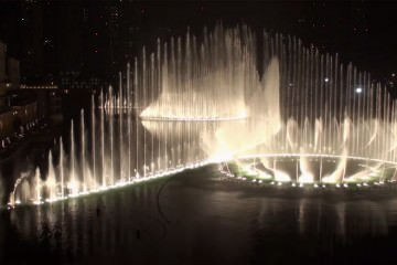 Εντυπωσιακό συντριβάνι στο Ντουμπάι! Dubai allabout.gr