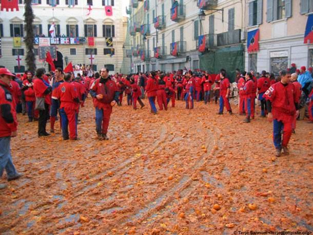 πιο παράξενα φεστιβάλ στον κόσμο Carnevale di ivrea allabout.gr