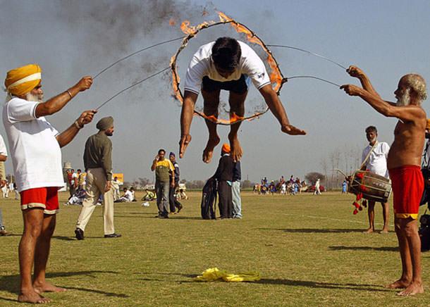 πιο παράξενα φεστιβάλ στον κόσμο Kila raipur rural olympics allabout.gr