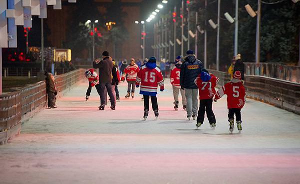 Το μεγαλύτερο παγοδρόμιο του κόσμου allabout.gr