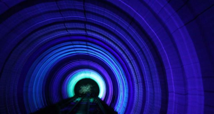 Πιο όμορφοι σταθμοί μετρό στον κόσμο Bund Sightseeing Tunnel