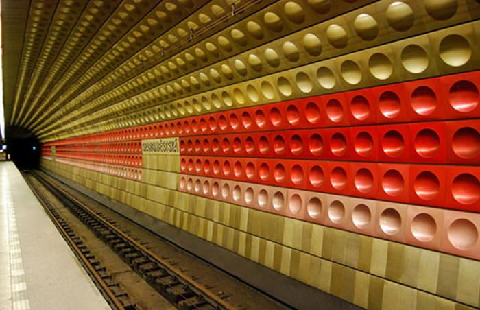 Πιο όμορφοι σταθμοί μετρό στον κόσμο  Line A Stations Prague