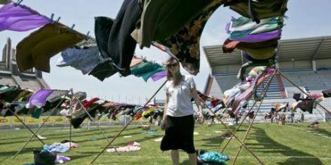 Μια μπουγάδα στο Κόσοβο για να ξεπλύνει την ντροπή του βιασμού