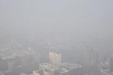 «Εξαφανίστηκε» το Πεκίνο από την αιθαλομίχλη (φωτό)