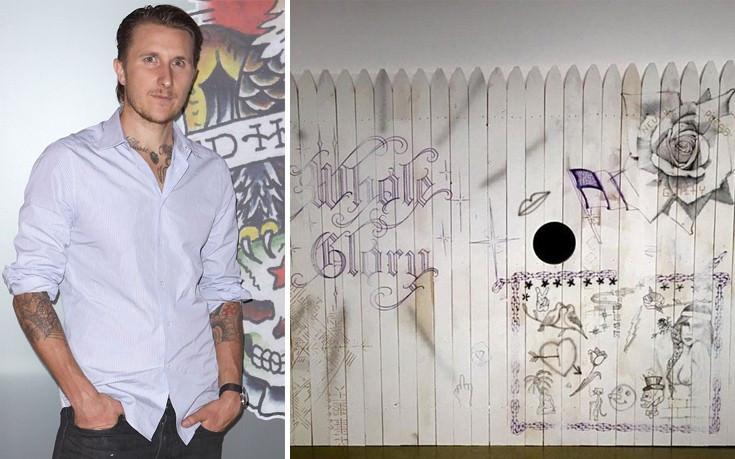 Τατουάζ έκπληξη από διάσημο καλλιτέχνη -Εβαλαν το χέρι τους σε τρύπα, δεν ήξεραν τι σχεδιάζει [Εικόνες]