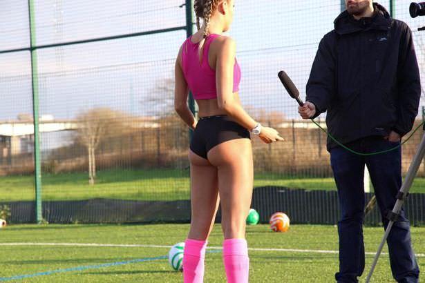 Αυτό είναι το νέο είδος γυναικείου ποδοσφαίρου με εσώρουχα που αρχίζει στην Βρετανία!