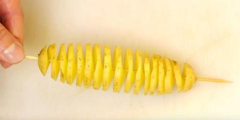 Πως να φτιάξετε εκπληκτικά σπιράλ πατάτας (Video)