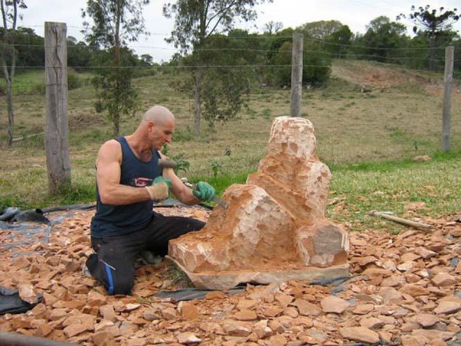 πέτρα σε εντυπωσιακό γλυπτό